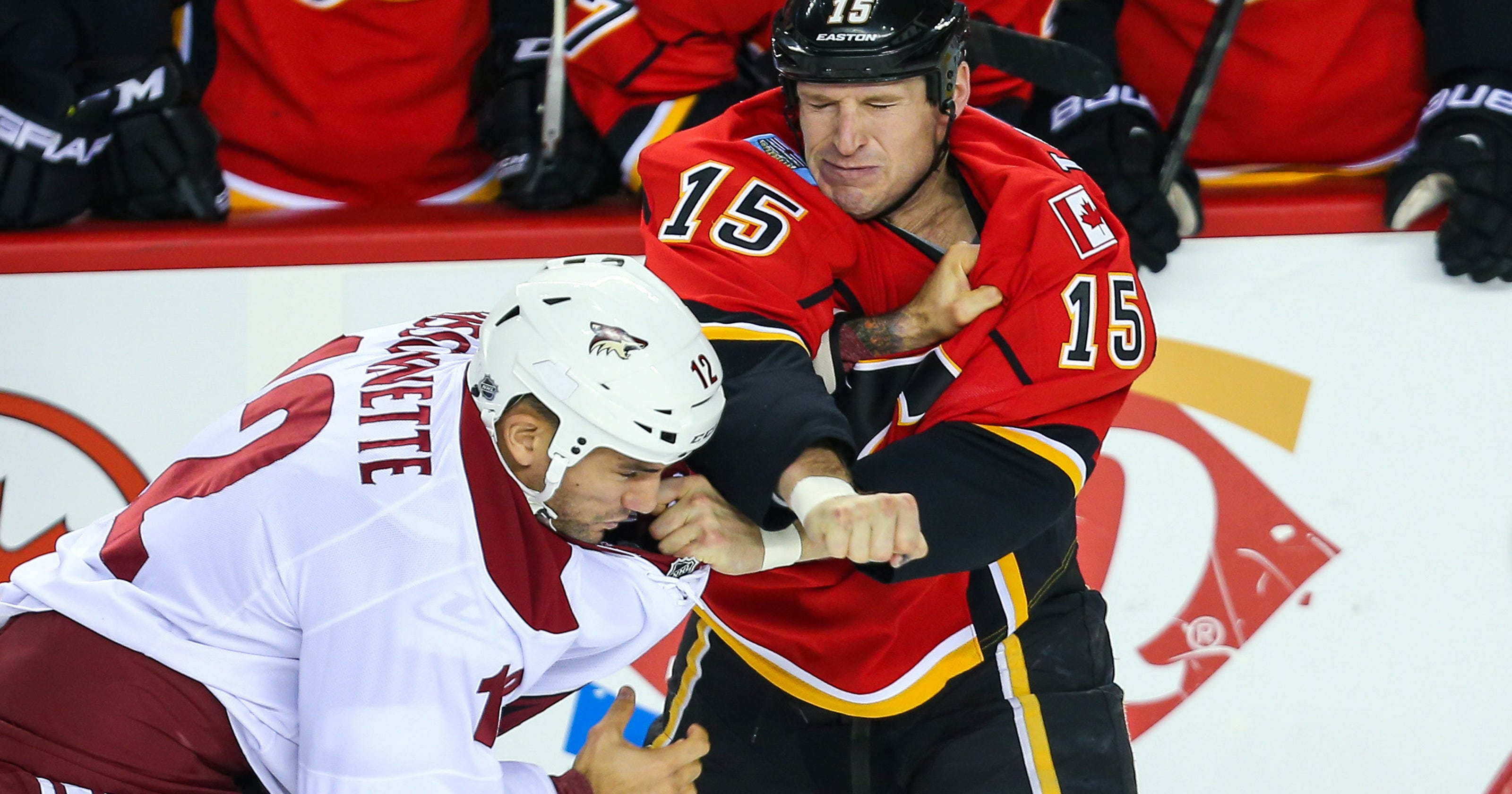 2f925f489d0 Paul Bissonnette returning to Coyotes organization