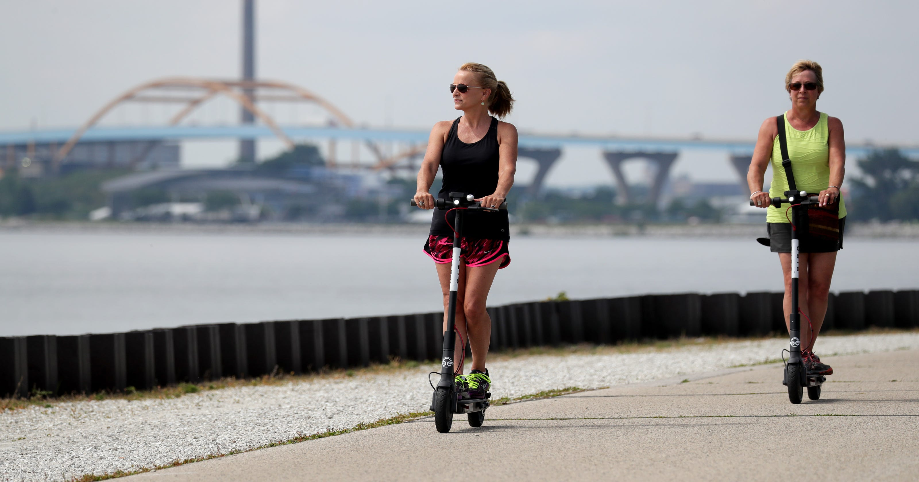 Milwaukee Scooter Riders Ignore City Warnings As Bird
