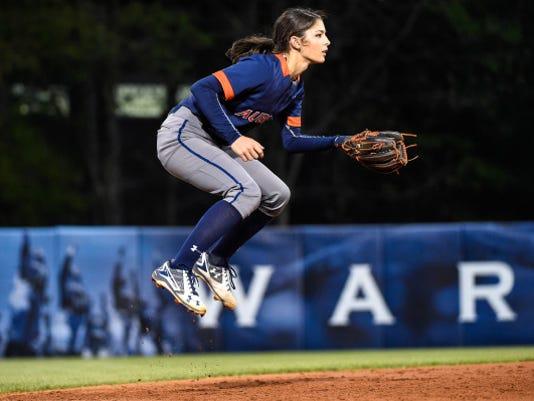 Auburn softball Casey McCrackin