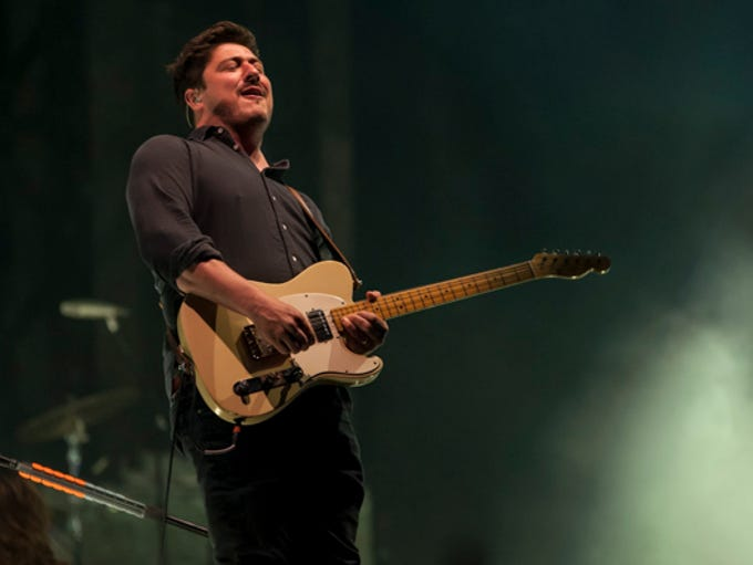 Mumford and Sons close out the Hangout Music Festival