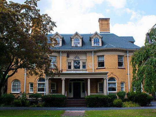 The duCret School of Art In Plainfield willhost an open house from noon to 3 p.m. Sunday, Jan. 21.