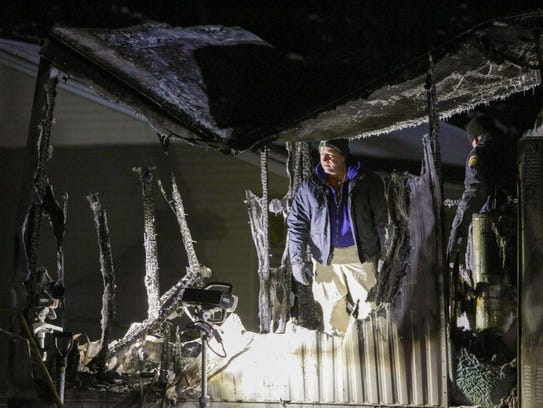 3 people died in a mobile home fire at 354 2nd Ave.