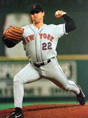 New York Mets pitcher Al Leiter throws against the