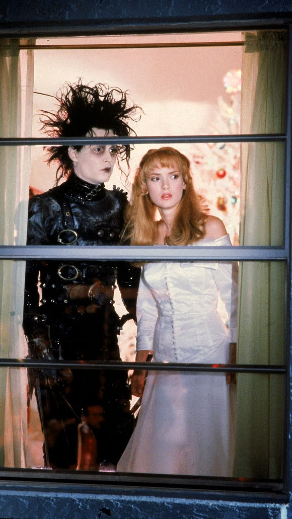 The 6 Most Iconic Moments Of Edward Scissorhands