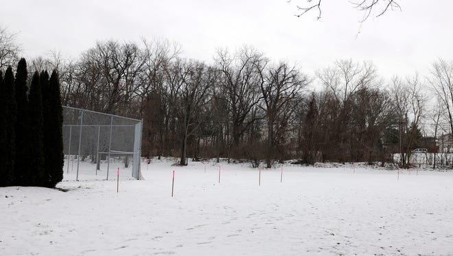Lakeside's Board of Directors accepted a recommendation to build a community pool and wellness center to the west of the tennis courts on Sixth Street in 2017.