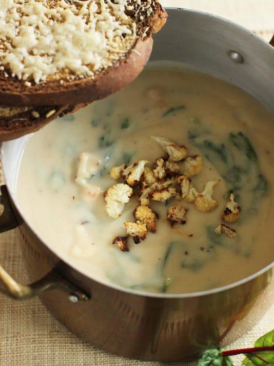 Food KitchenWise Cauliflower Soup (2)