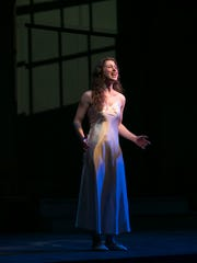 Annie Hunt as Carrie