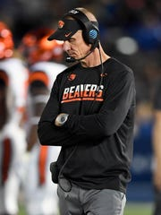 Nov 12, 2016; Pasadena, CA, USA; Oregon State head coach Gary Andersen during Saturday's loss to UCLA. OSU has a 1-15 record in Pac-12 games under Andersen. Kirby Lee-USA TODAY Sports