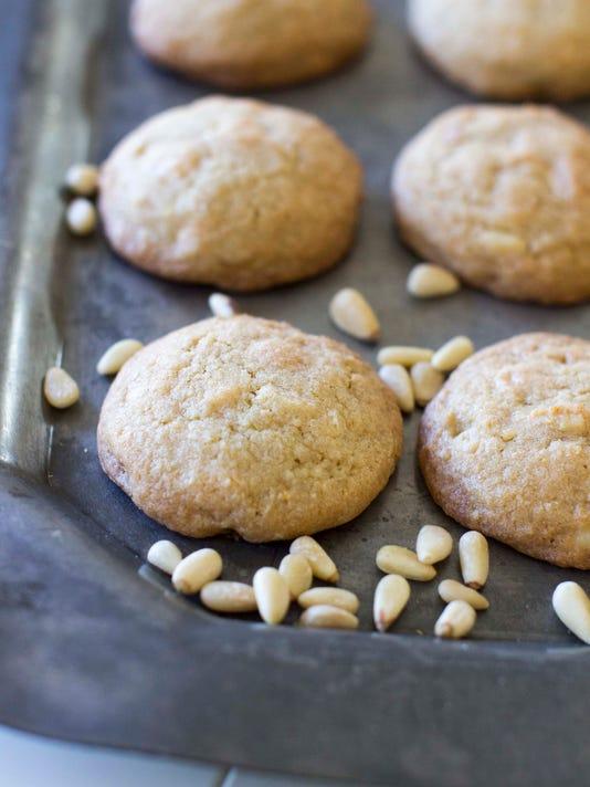 Food Deadline Holiday Cookies-GUO94D0A9.1.jpg