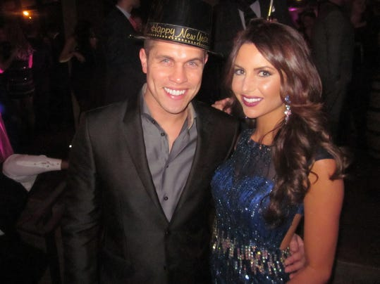 Dustin Lynch with hot, Girlfriend Amanda Mertz