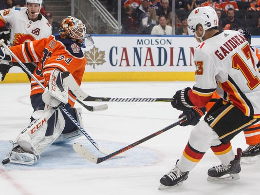 Flames_Oilers_Hockey_24429.jpg