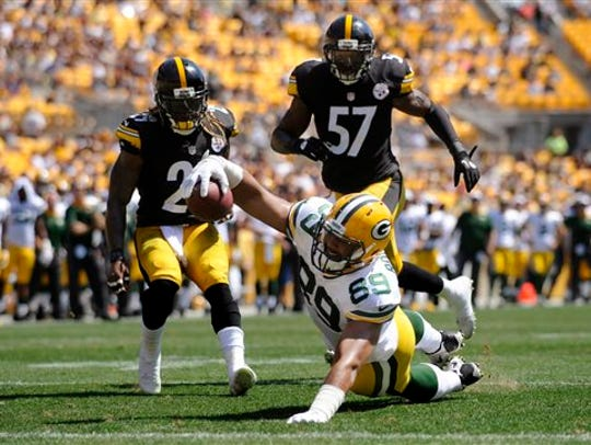 Green Bay Packers tight end Richard Rodgers (89) stretches