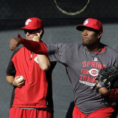 Cincinnati Reds right handed pitcher Jumbo Diaz pitches