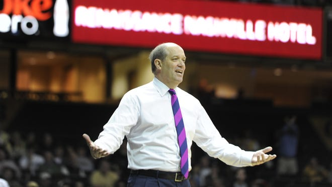 Vandy head coach Kevin Stallings questions an official's call during a against Georgia at Memorial Gym