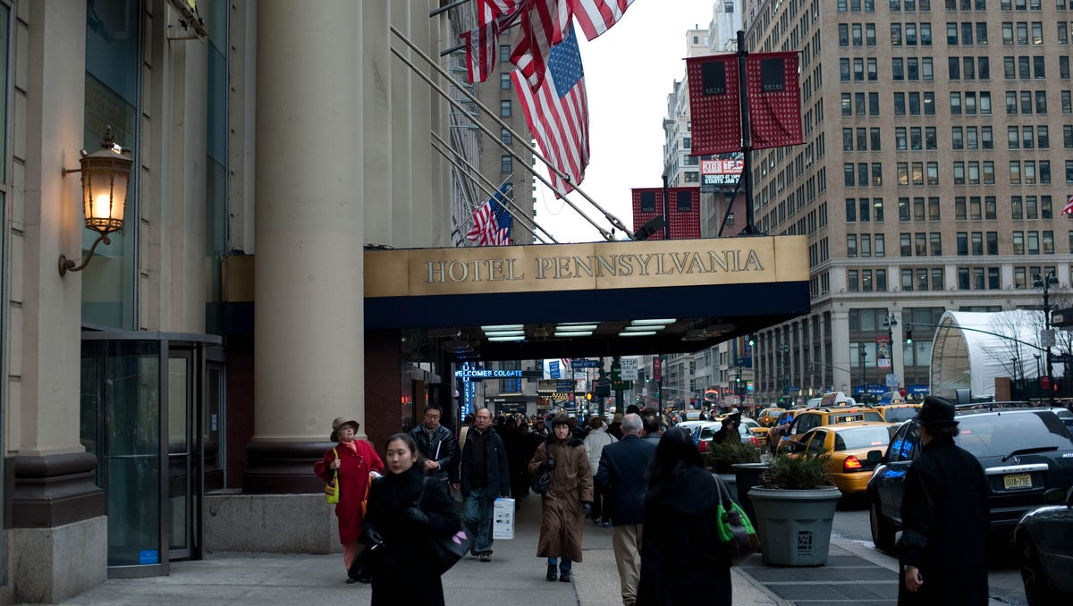 """One of the largest hotels in New York City, Hotel Pennsylvania sits (not surprisingly) right by Penn Station. Which is also probably why it has seen plenty of famous faces come through. Glenn Miller, whose orchestra was known for its swing compositions, refers to the historic hotel in """"Pennsylvania 6-5000."""""""