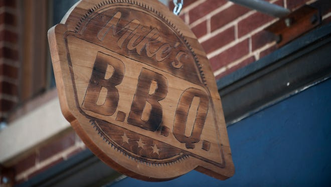 Exterior of Mike's BBQ in Philadelphia.