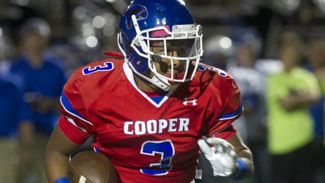 Cooper's Tyrees Whitfield (3) runs for a touchdown in a game against San Angelo Lake View Friday, Oct. 28, 2016.