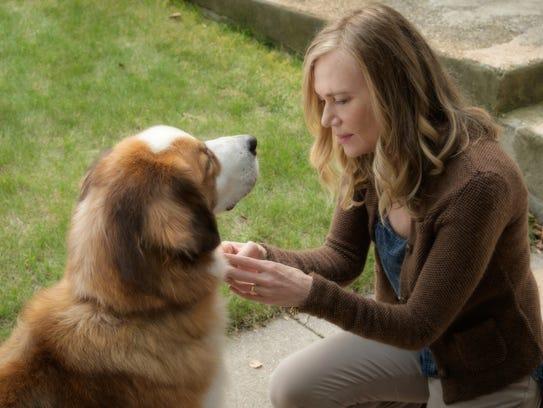 Hannah (Peggy Lipton) has a special bond with Buddy