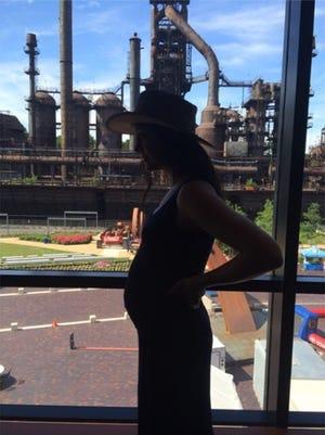 Vanessa Carlton shares her baby bump on Instagram.