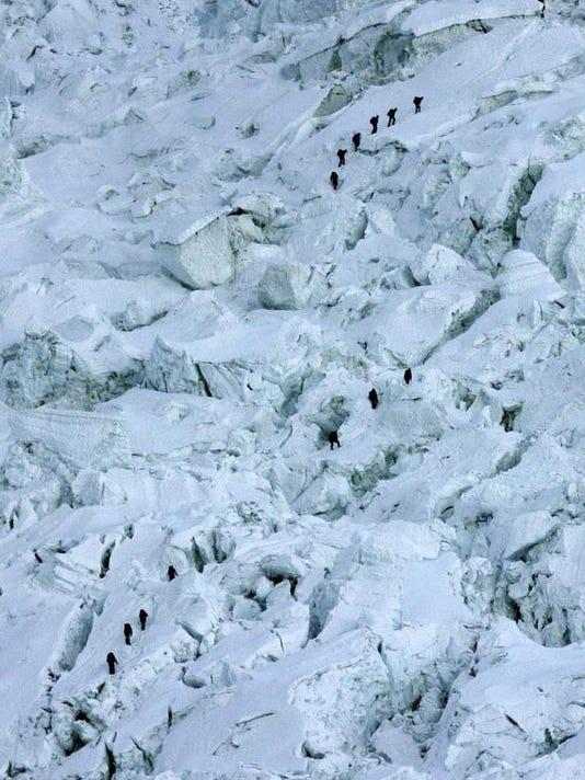 Nepal Everest Icefall_Hord.jpg