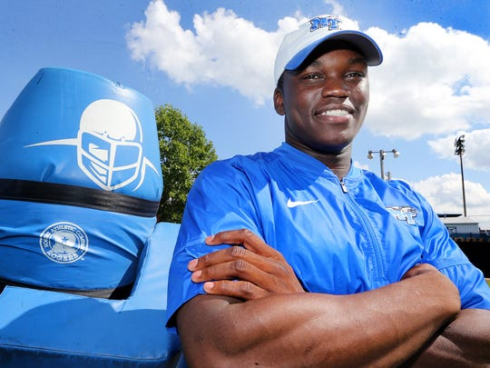 MTSU's new linebacker Coach Siriki Diabate on the practice