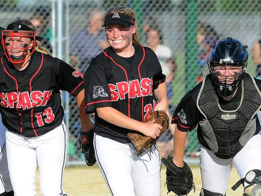 spj 0604 DCE-SPASH softball 001.jpg