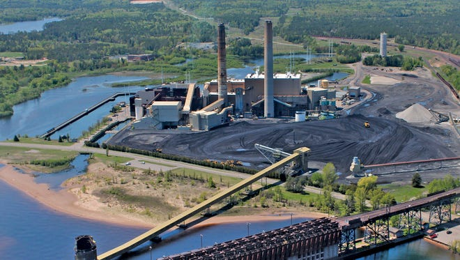 The We Energies coal plant on Lake Superior in Marquette, Mich., will be replaced with natural gas generation under a plan announced Monday.