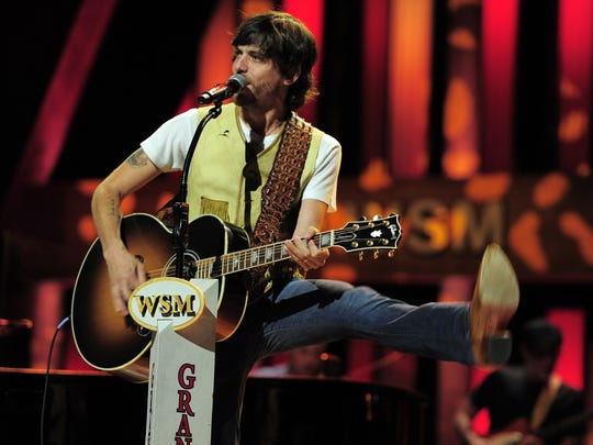 """Chris Janson says his """"path has been an uphill climb,"""