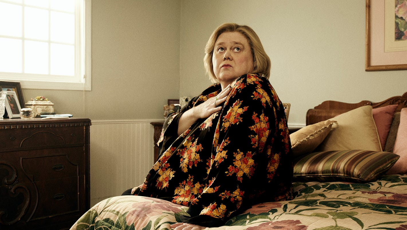 Louie anderson finds maternal strength on fx 39 s 39 baskets 39 for Bedroom 80 humidity