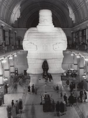 "A 54-foot ""Santa Colossal"" dominated Union Station in 1949."