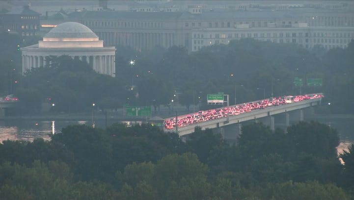 Traffic from I-395 to the 14th Street Bridge on Wednesday morning