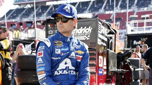 Jeff Gordon placed seventh at Richmond to secure a spot in the Chase for the Sprint Cup championship.