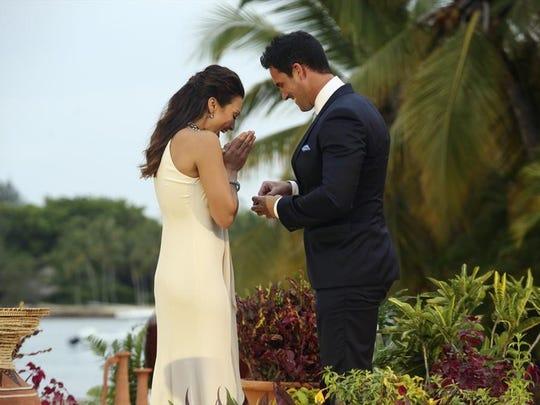 "Josh Murray proposes to Andi Dorfman on the ""Bachelorette"" finale."