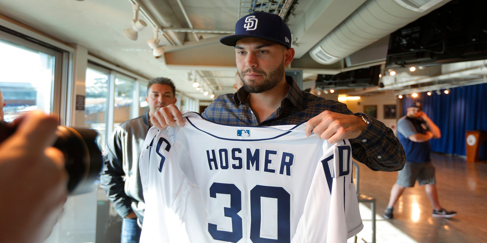 huge discount 0bbb5 d9d00 Eric Hosmer to wear No. 30 with Padres in honor of the late ...