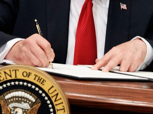 636437508359600293-stroke-of-pen.JPG
