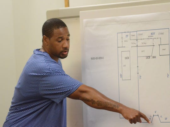 Shawn McKnight testifies about the night of the shooting at the Elks Club.
