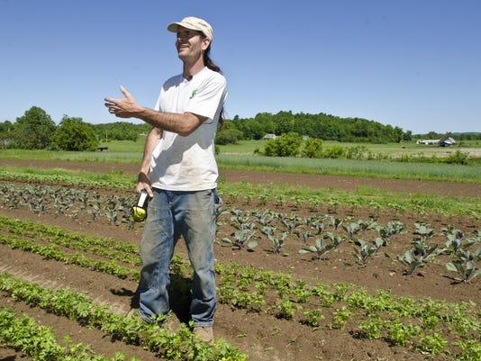 BUR 20140604 GMO DEBATE ANTI C1