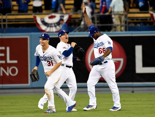 636124307436618941-usp-mlb-nlcs-chicago-cubs-at-los-angeles-dodgers-86085518