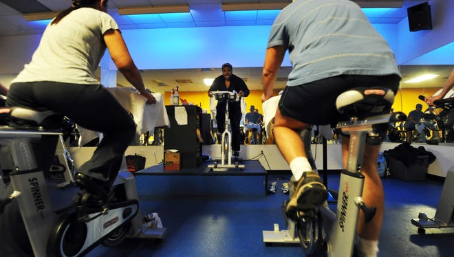 Heavy people with knee osteoarthritis can reduce their knee pain and increase mobility by losing 10% of their weight.