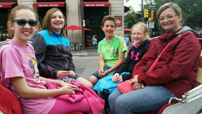 Carriage rides are part of the fun for Cumberland County 4-H junior division public speaking winners. Cierra Grablow, Delani Puleo, Cody Sickler, Amberlee Richard and 4-H Program Assistant Donna Griebau enjoyed a carriage ride during their tour of Philadelphia.