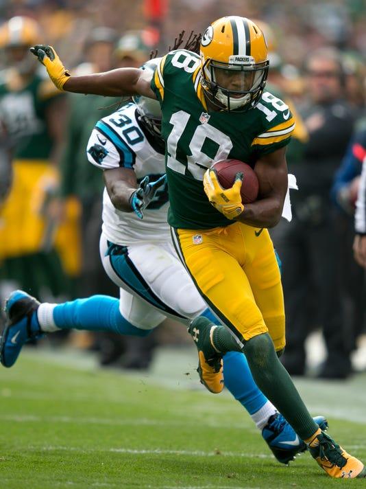 MAIN OSH 1021 Packers Cobb.jpg