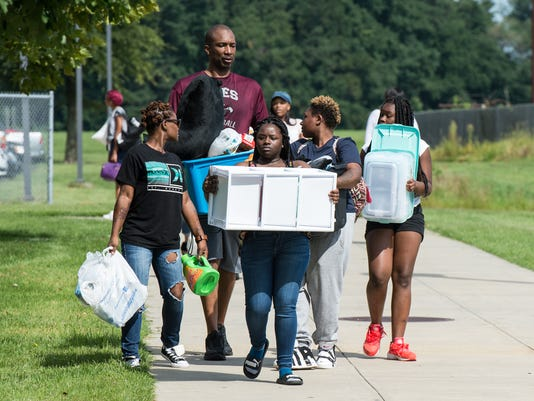 20170824rm-UMES-Move-In-5.jpg