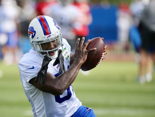 Anquan Boldin hauls in a pass during his first practice