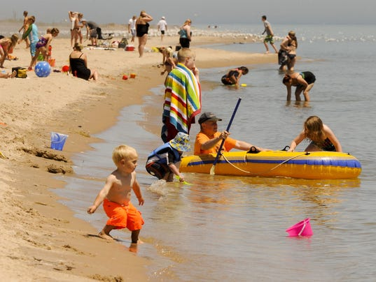 636034949404745046-MANBrd-07-13-2014-Herald-1-A001--2014-07-12-IMG-MAN-n-Neshotah-Beach-1-1-O67TQ5PB-L449868066-IMG-MAN-n-Neshotah-Beach-1-1-O67TQ5PB.jpg