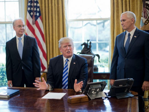 President Trump, flanked by Health and Human Services