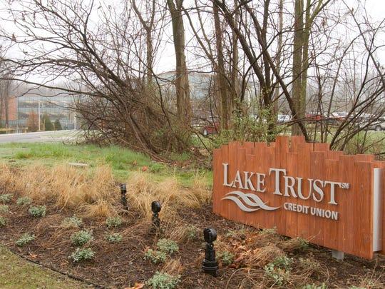 Lake Trust Credit Union sign