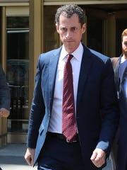 Anthony Weiner leaves Manhattan Federal Court on Sept.