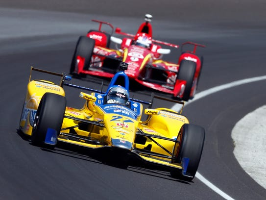 Marco Andretti practices during Carb Day ahead of the