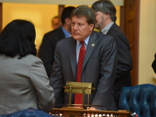 Assemblyman John McKeon (D-Essex) during a voting session