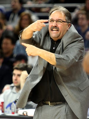 Detroit Pistons head coach Stan Van Gundy directs his players during third period action against the Cleveland Cavaliers on Tuesday, January 27, 2015 at The Palace of Auburn Hills.